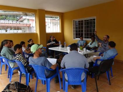 Capacitación con Dr. Oliver Komar, vice presidente de la ASHO. Fotografía cortesía Isis Castro